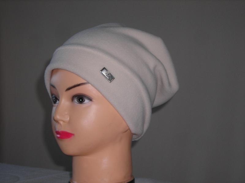 Спортивные шапки женские